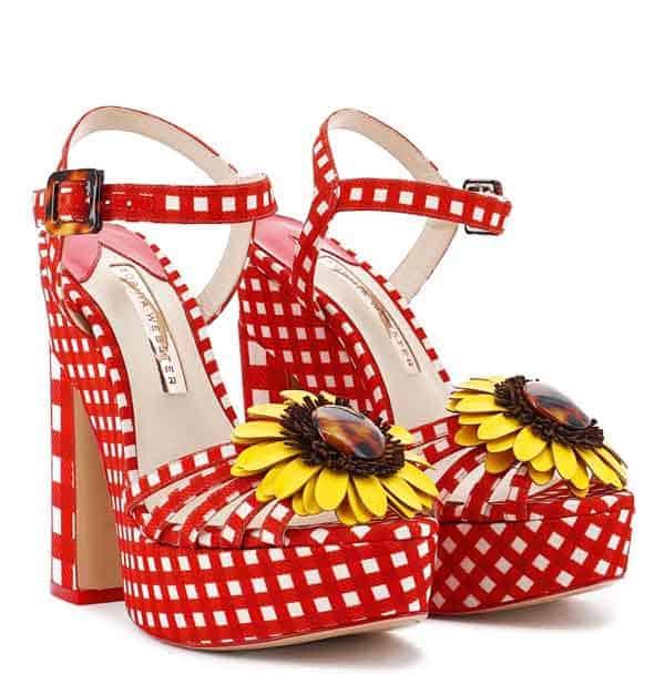 i sandali Doris di Sophia Webster
