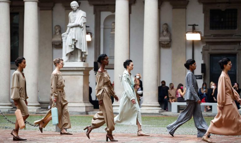 L'estate 2021 di Max Mara - Sfilate Milano Fashion Week