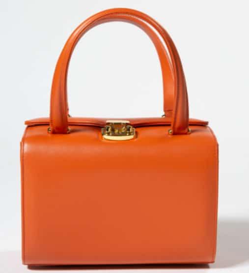 bauletto color mandarino! E' la 0285 del brand Amato Daniele