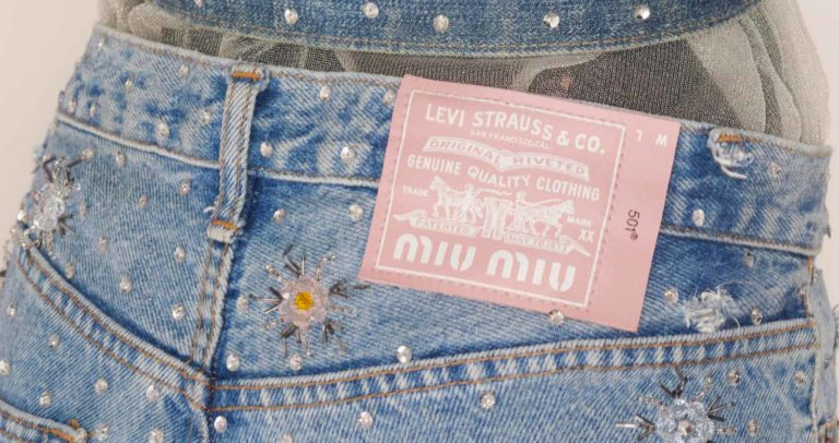 Upcyled by Miu Miu insieme a Levi's