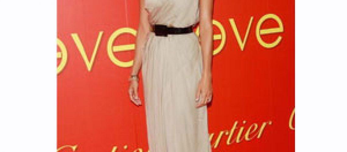 Eva Mendes al Cartier Charity Love Bracelet
